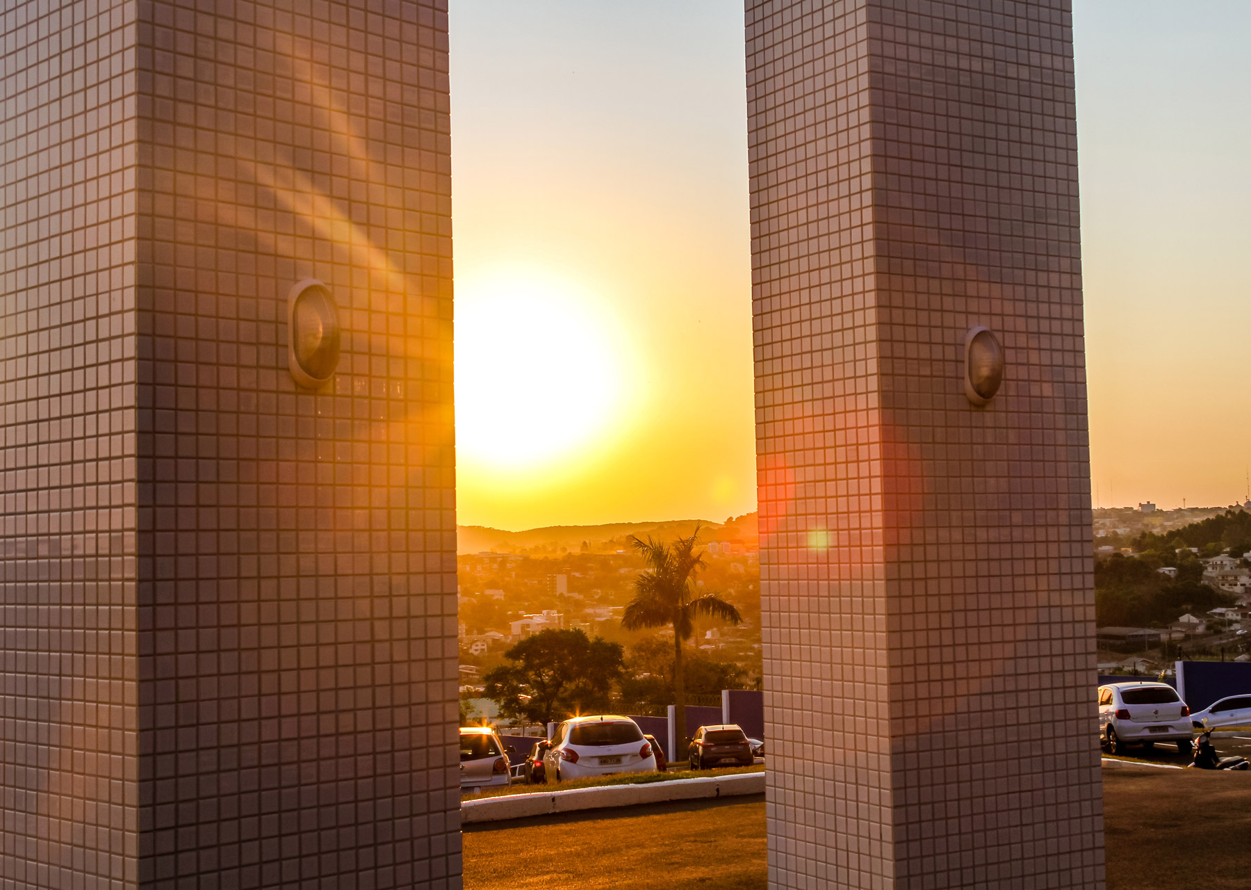 Por do sol na sede da CISS S.A | Gestão para o Varejo em Dois Vizinhos/PR