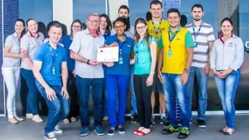 CIPA da CISS recebendo o prêmio do HEMEPAR
